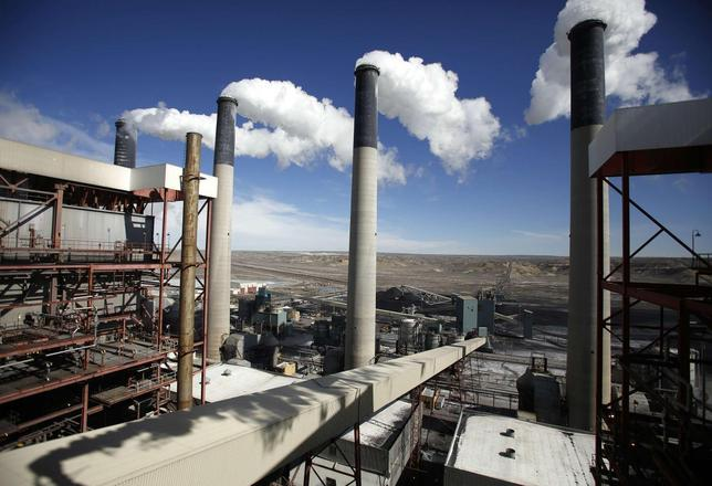 Steam rises from the stacks of the coal-fired Jim Bridger Power Plant outside Point of the Rocks, Wyoming in this file photo taken March 14, 2014.   REUTERS/Jim Urquhart/Files