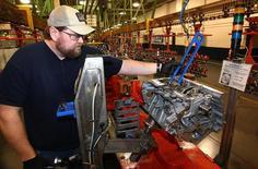 Les commandes à l'industrie aux Etats-Unis ont enregistré en avril leur troisième hausse consécutive, confirmant la bonne santé du secteur manufacturier. /Photo d'archives/REUTERS/Aaron Josefczyk