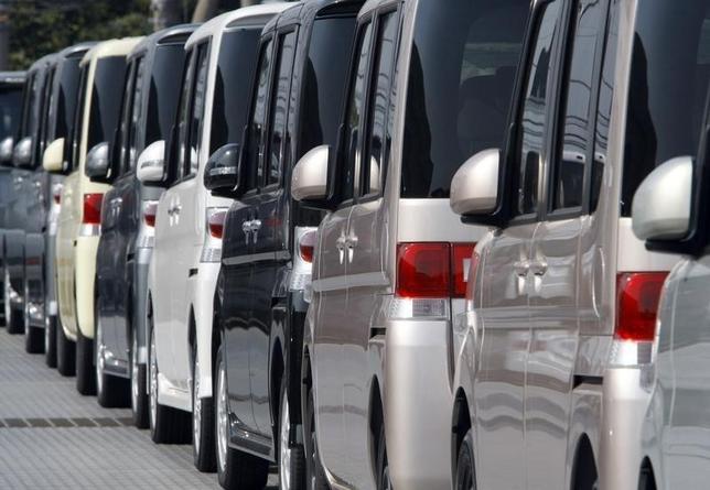 6月8日、ダイハツ工業は、中国自動車大手の第一汽車集団グループの天津一汽夏利汽車(天津夏利)に燃費性能の改善につながる自動変速機(AT)を供給する方針を明らかにした。写真は同社の車。川崎の港で2009年8月撮影(2014年 ロイター/Kim Kyung-Hoon)