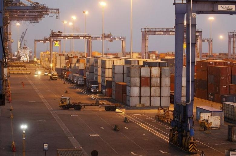 A general view of a container terminal is seen at Mundra Port in Gujarat April 1, 2014. REUTERS/Amit Dave/Files