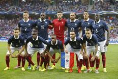 Equipe francesa posa para foto antes do amistoso pré-Copa contra Jamaica, em Vileneuve dÁscq, França. 8/06/2014. REUTERS/Pascal Rossignol