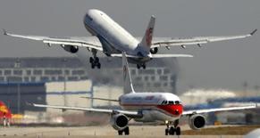 China Eastern Airlines va commander 80 Boeing B737-800 et B737MAX, un contrat d'une valeur de l'ordre de 7,4 milliards de dollars (5,5 milliards d'euros). /Photo d'archives/REUTERS/David Gray
