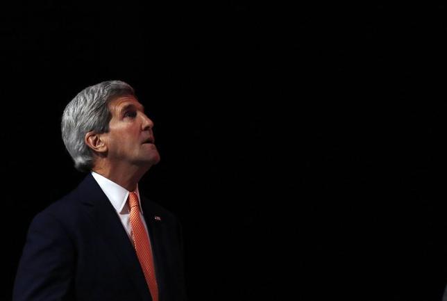 6月13日、ケリー米国務長官(写真)は、イラクでの武装組織勢力の拡大で、オバマ大統領が迅速に決断する見込みだと表明した。ロンドンで同日撮影(2014年 ロイター/Luke MacGregor)