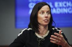 Adena Friedman habla con Reuters acerca del intercambio en una cumbre en Nueva York , 13 de marzo de 2013. Las acciones en Estados Unidos caían levemente en los primeros negocios del lunes, ya que el mercado se mantenía atento a las tensiones en Irak, que muchos temen podrían conducir a un período largo de precios elevados para el petróleo.  REUTERS/Natalie Behring