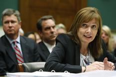 """La directrice générale de General Motors (GM) Mary Barra a dû faire face mercredi au Congrès aux critiques des élus contre la """"culture du secret"""" reprochée au groupe dans le dossier des rappels de plusieurs millions de véhicules affectés de défauts de fabrication. /Photo prise le 18 juin 2014/REUTERS/Jonathan Ernst"""