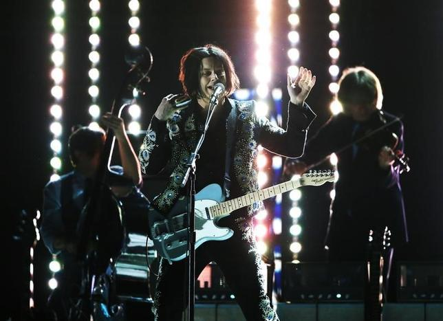 Jack White performs at the 55th annual Grammy Awards in Los Angeles, California, February 10, 2013.   REUTERS/Mike Blake