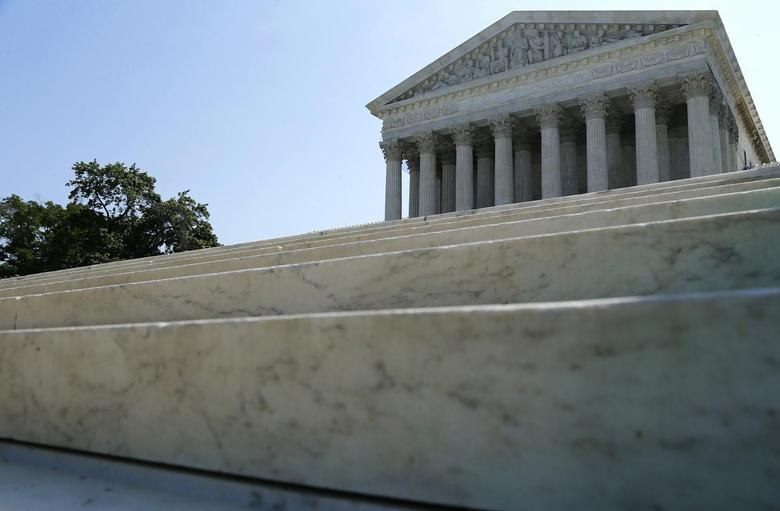 A general view of the front steps of the U.S. Supreme Court building is seen in Washington June 16, 2014. REUTERS/Jonathan Ernst