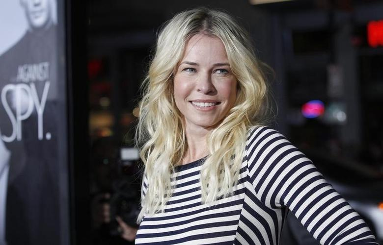 Cast member Chelsea Handler poses at the premiere of ''This Means War'' at the Grauman's Chinese theatre in Hollywood, California February 8, 2012.  REUTERS/Mario Anzuoni