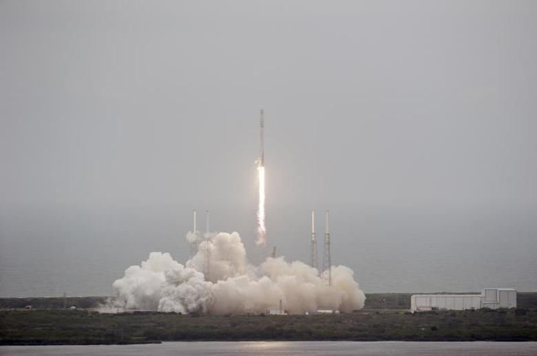 An unmanned Falcon 9 rocket blasts off from Cape Canaveral Air Force Station in this handout photo provided by NASA in Cape Canaveral, Florida April 18, 2014. REUTERS/Kim Shiflett/NASA/Handout via Reuters