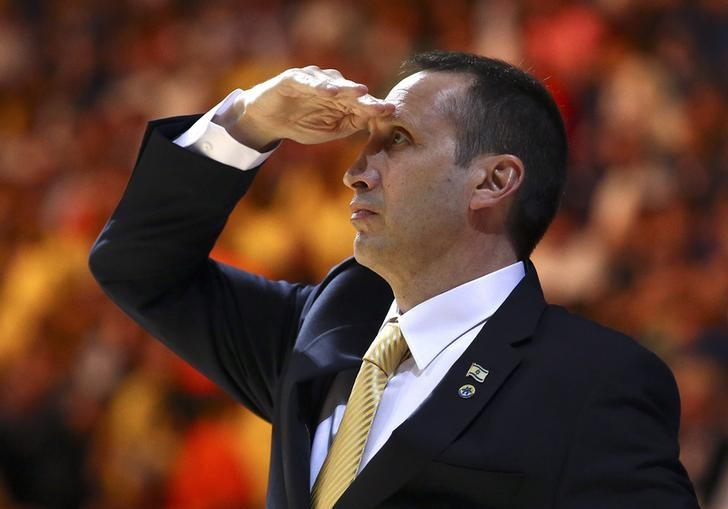 Maccabi Electra Tel Aviv coach David Blatt looks on during the match against Real Madrid in their Euroleague Final Four final basketball game in Milan May 18, 2014. REUTERS/Giuseppe Cottini