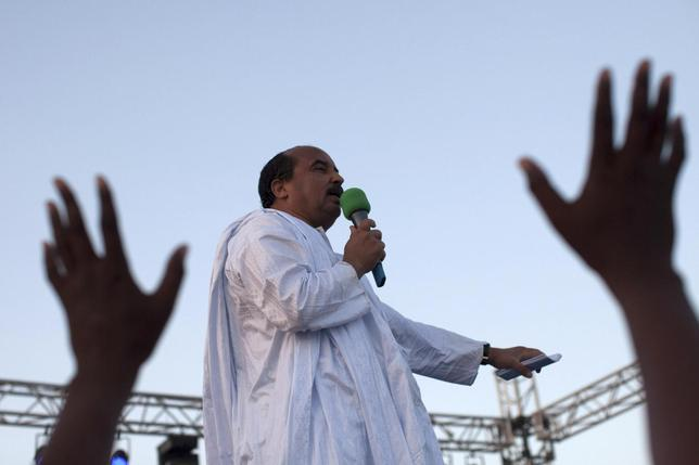 Incumbent presidential candidate Mohamed Ould Abdel Aziz speaks at a campaign rally in Nouakchott June 19, 2014. REUTERS/Joe Penney