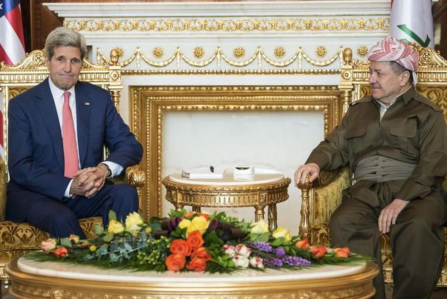 Kurdistan Regional Government President Massoud Barzani (R) meets with U.S. Secretary of State John Kerry at the presidential palace in Arbil, the capital of northern Iraq's Kurdistan autonomous region, June 24, 2014. REUTERS/Brendan Smialowski/Pool
