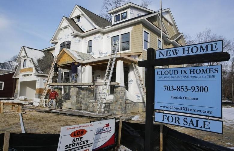 A new home is being built on a street in Vienna, on the morning the National Association of Realtors issues its Pending Home Sales for February report, in Virginia March 27, 2014. REUTERS/Larry Downing