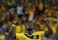 Jogador colombiano Jackson Martínez comemora segundo gol marcado contra o Japão durante partida pelo Grupo C da Copa do Mundo, na Arena Pantanal, em Cuiabá. 24/06/2014.        REUTERS/Eric Gaillard