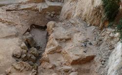 Imagen sin fechar del yacimiento arqueológico El Salt, en Alcoy, Alicante, cedida por la geoarqueóloga Ainara Sistiaga el 25 de junio de 2014. No es motivo de risa, pero el descubrimiento de las heces humanas más antiguas conocidas está ofreciendo una visión muy valiosa para los científicos sobre cómo era la vida de los neandertales que vivían en España hace unos 50.000 años. REUTERS/Ainara Sistiaga/Handout via Reuters