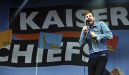 Singer Ricky Wilson of the band Kaiser Chiefs performs on the Other Stage at Worthy Farm in Somerset, on the third day of the Glastonbury music festival June 27, 2014. REUTERS/Cathal McNaughton