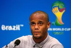 Jogador da seleção belga Vincent Kompany durante entrevista coletiva no Maracanã. 21/6/2014  REUTERS/Tony Gentile