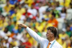 Técnico da Holanda Louis van Gaal durante partida contra o México na Arena Castelão, em Fortaleza.  29/6/2014. REUTERS/Dominic Ebenbichler