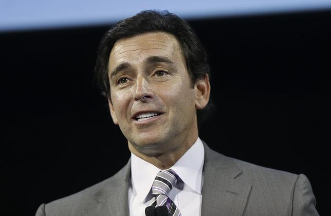 Ford Motor Company Chief Operating Officer Mark Fields addresses an audience before unveiling the 2015 Ford Edge in Dearborn, Michigan June 24, 2014. REUTERS/Rebecca Cook