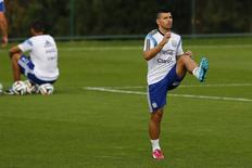 Atacante Sergio Aguero, da seleção da Argentina, treina em Belo Horizonte. 02/07/2014. REUTERS/Ivan Alvarado