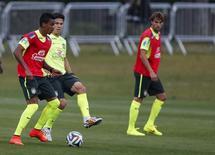 Jogadores da seleção brasileira treinam em Teresópolis. 05/07/2014. REUTERS/Marcelo Regua