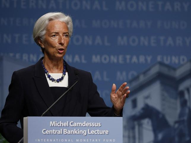 International Monetary Fund (IMF) Managing Director Christine Lagarde delivers opening remarks at the inaugural Michel Camdessus Central Banking Lecture in Washington July 2, 2014. REUTERS/Gary Cameron (UNITED STATES - Tags: POLITICS BUSINESS)