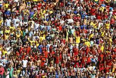 Torcedores lotam estádio para partida de Bélgica e Argentina, em Brasília. 5/7/2014 REUTERS/Dominic Ebenbichler