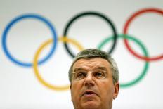Presidente do Comitê Olímpico Internacional (COI), Thomas Bach, durante o anúncio das cidades candidatas a sediar a Olimpíada de Inverno 2022, na sede do COI, em Lausenne, na Suíça. 7/06/2014. REUTERS/Denis Balibouse