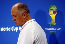 Técnico da seleção brasileira, Luiz Felipe Scolari, chega para entrevista coletiva em Belo Horizonte.  07/07/2014. REUTERS/David Gray