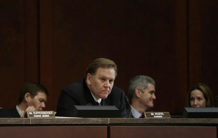 Chairman U.S. Rep. Mike Rogers (R-MI) (C) listens to testimony at the House Intelligence Committee on ''Worldwide Threats'', in Washington February 4, 2014 file photo.        REUTERS/Gary Cameron