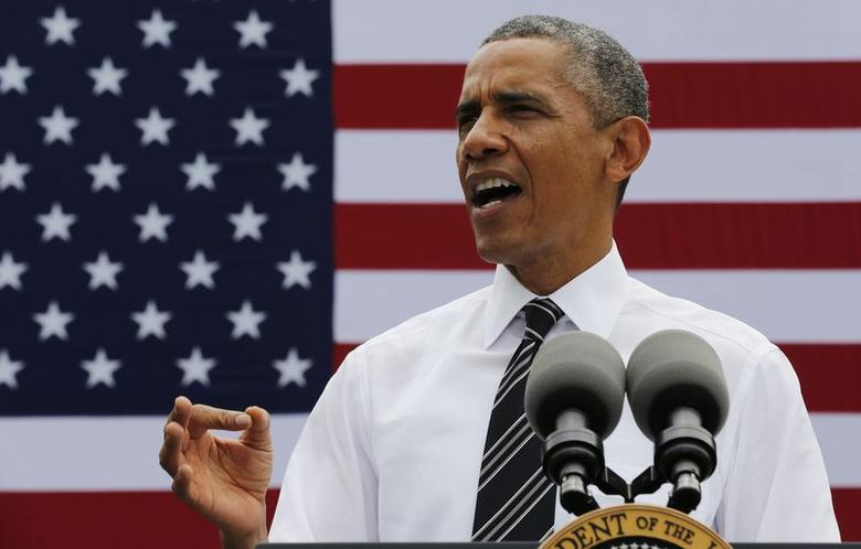 U.S. President Barack Obama talks about the economy at the Turner-Fairbank Highway Research Center in McLean, Virginia July 15, 2014. REUTERS/Larry Downing
