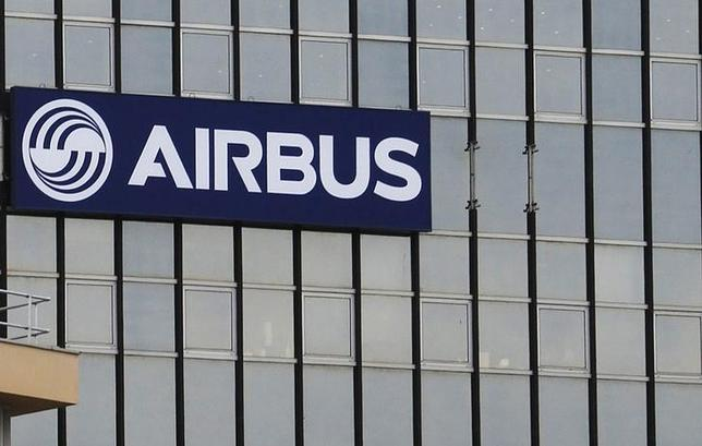 The logo of Airbus Group is seen on the company's headquarters building in Toulouse, February 25, 2014 on the eve of its 2013 annual results presentation.  REUTERS/Regis Duvignau