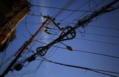 Cabos de energia em Santa Teresa, no Rio de Janeiro. REUTERS/Kai Pfaffenbach