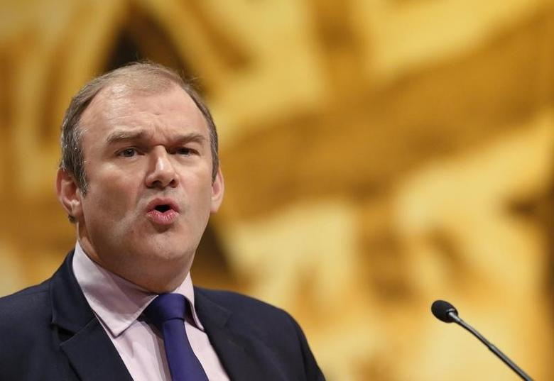 Britain's Secretary of State for Energy and Climate Change Ed Davey speaks during the Liberal Democrats annual conference in Brighton, southern England September 23, 2012.  REUTERS/Luke MacGregor