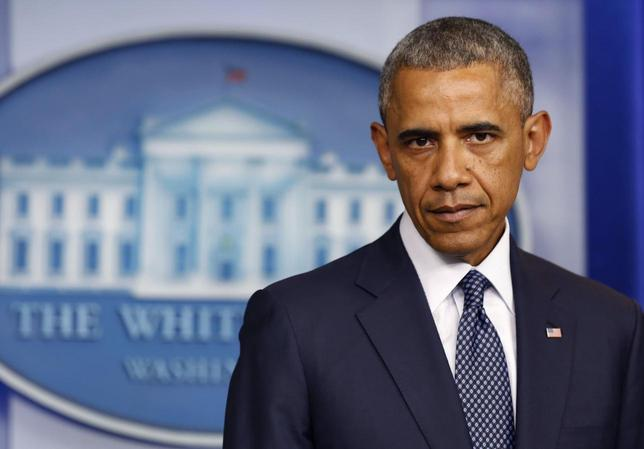 U.S. President Barack Obama pauses while he delivers remarks about Ukraine while in the press briefing room at the White House in Washington, July 16, 2014 file photo.        REUTERS/Larry Downing