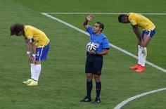 Árbitro Marco Rodríguez apita fim de jogo na goleada da Alemanha por 7 x 1 sobre o Brasil. 08/07/2014 REUTERS/David Gray