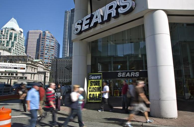 The closing down Sears store is shown in downtown Vancouver, British Columbia September 13, 2012.    REUTERS/Andy Clark