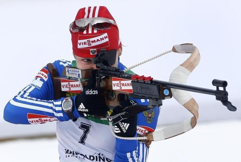 Russia's Ekaterina Iourieva shoots during the women's 10 kilometres pursuit race at the Biathlon World Cup in the southern Bavarian resort of Ruhpolding, January 18, 2009. Germany's Magdalena Neuner won the race ahead of Iourieva and Germany's Kati Wilhelm.   REUTERS/Alexandra Beier