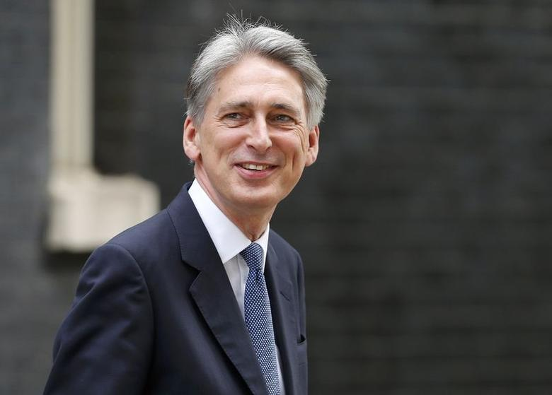 Britain's new Foreign Secretary Philip Hammond arrives at 10 Downing Street in central London, July 15, 2015. REUTERS/Suzanne Plunkett