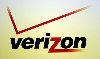 Verizon revenues top estimates on wireless surge