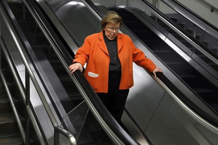 U.S. Senator Barbara Mikulski (D-MD) rides an escalator into the subway system at the U.S. Capitol in Washington, January 16, 2014 file photo.  REUTERS/Jonathan Ernst