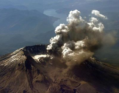U.S. scientists to map interior of Mount St. Helens...
