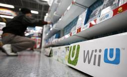 Nintendo a publié mercredi une perte d'exploitation plus lourde que prévu sur le trimestre avril-juin en raison de ventes en repli et d'une demande atone pour sa console de jeu Wii U. /Photo prise le 20 janvier 2014/REUTERS/Yuya Shino