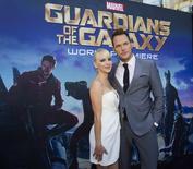 """Ator Chris Pratt e a mulher, a atriz Anna Faris, na première de """"Guardiões da Galáxia"""" em Hollywood. 21/07/2014 REUTERS/Mario Anzuoni"""
