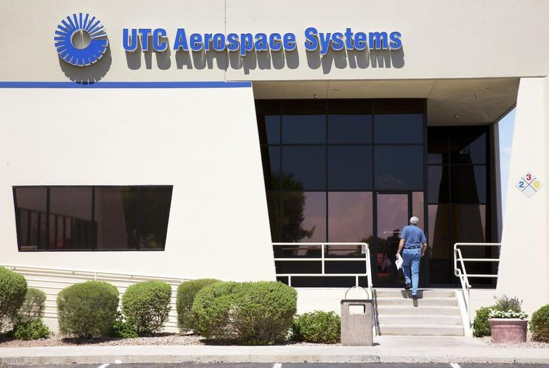 United Technologies Corp Aerospace Systems in Phoenix, Arizona in this July 11, 2014 file photo.  REUTERS/Nancy Wiechec/Files