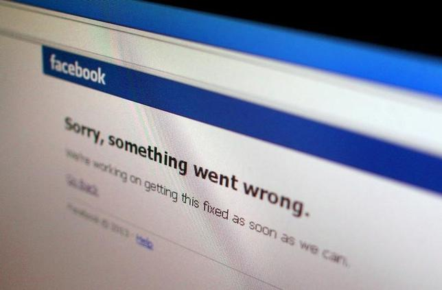 A Facebook error message is seen in this illustration photo of a computer screen in Singapore June 19, 2014. REUTERS/Thomas White/Files