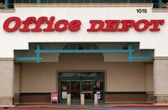 Магазин Office Depot в Энсинитасе, Калифорния, 19 февраля 2013 года. Убыток поставщика офисных товаров Office Depot Inc вырос во втором квартале из-за увеличения расходов на 58 процентов и падения сопоставимых розничных продаж на крупнейшем - североамериканском - рынке на 3 процента. REUTERS/Mike Blake