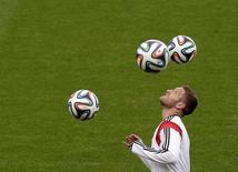 O jogador alemão Shkodran Mustafi treina no Beira-Rio, em Porto Alegre, durante a Copa do Mundo no Brasil, em junho. 29/06/2014 REUTERS/Henry Romero