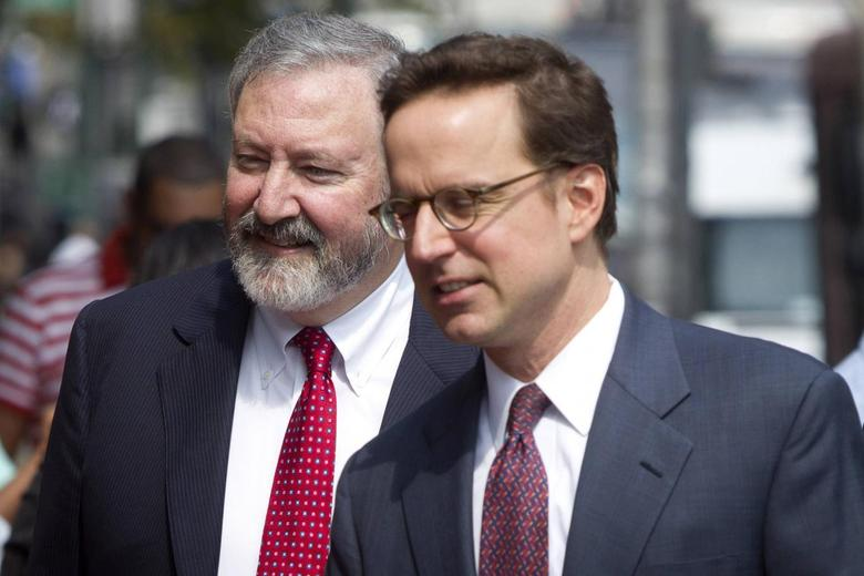 Attorneys Jonathan Blackman (L) and Carmine Boccuzzi, lead lawyers representing Argentina in its ongoing debt talks, arrive at federal court for a hearing in New York August 1, 2014.       REUTERS/Carlo Allegri