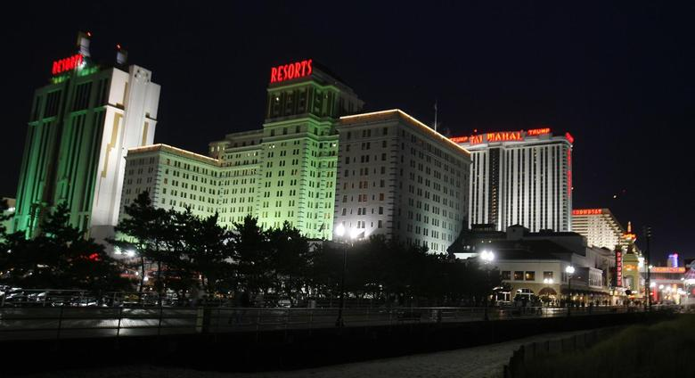 A view from the boardwalk of several casinos in Atlantic City, New Jersey, in this March 14, 2009 file photo.  REUTERS/Tim Shaffer/Files